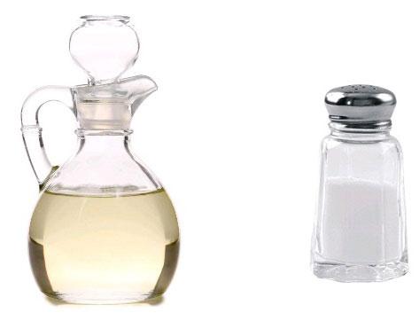 نمک و سرکه برای باز کردن گرفتگی لوله فاضلاب حمام و سینک ظرفشویی